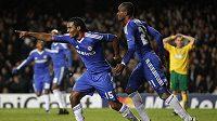 Fotbalisté Chelsea mají k obhajobě titulu v Premier League daleko. Vítězství nad United ale znamená oživení nadějí.