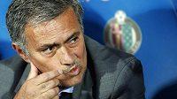José Mourinho zatím na lavičce fotbalistů Realu Madrid nemá příliš důvodů k radosti