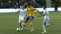 Švédský útočník Zlatan Ibrahimovič (uprostřed) v utkání proti Faerským ostrovům.