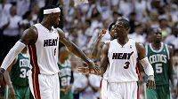 LeBron James (vlevo) a Dwyane Wade patřili tradičně k nejlepším střelcům Miami.