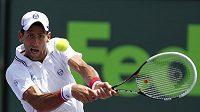Srb Novak Djokovič při vítězství ve finále v Miami, kde mu byl soupeřem Brit Andy Murray.