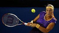 Petra Kvitová v zápase s Britkou Laurou Robsonovou na grandslamovém Australian Open.
