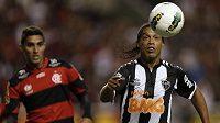 Ronaldinho (vpravo) perlil jako v nejlepších letech.