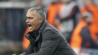 José Mourinho takhle prožíval první utkání semifinále Ligy mistrů s Bayernem Mnichov.