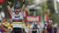 Radost britského cyklisty Marka Cavendishe v cíli 18. etapy Tour de France.