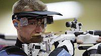 Američan Matthew Emmons si odveze z olympijské soutěže ve střelbě z libovolné malorážky na 3x40 ran bronz