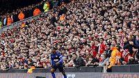 Patrice Evra na liverpoolském Anfieldu v rámci 4. kola FA Cupu.