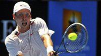 Tomáš Berdych v zápase 4. kola Australian Open proti Španělu Almagrovi.