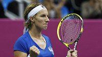 Vítězné gesto ruské tenistky Světlany Kuzněcovové po utkání se Španělkou Solerovou.