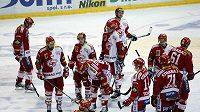 Zničení hokejisté Slavie po prohře s Kladnem.