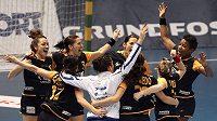 Španělské házenkářky se radují z postupu mezi nejlepší čtyři týmy světa.