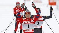 Norská běžkyně na lyžích Marit Björgenová míří za glóbem.