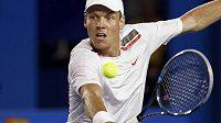 Tomáš Berdych při čtvrtfinálovém utkání Australian Open proti Rafaelu Nadalovi.