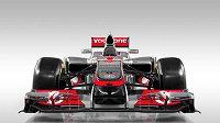 Jen McLaren nemusel na monopost přidělat schod...