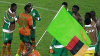 Fotbalisté Zambie se radují z postupu.