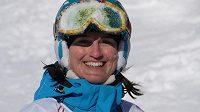 Nikola Sudová skočila dvojitou helikoptéru, ale spadla na bok.