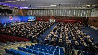 Nového předsedu FAČR volí 199 delegátů valné hromady.