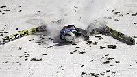 Švýcar Simonn Ammann utrpěl při posledním závodě Turné v Bischofshofenu zranění, s nimiž musel do nemocnice.