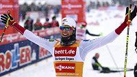 Nor Magnus Riiber po triumfu v Klingenthalu.