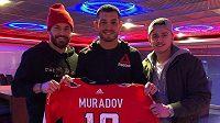 Michal Kempny (vlevo), Machmud Muradov a Jakub Vrána se setkali o víkendu ve Washingtonu.