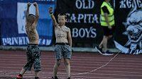 Chlapci na zápase Levski Sofia propagující nacistické symboly.