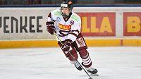 Bulharský hokejista v dresu Sparty Nino Tomov.