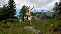 Tomáš Zahálka: Naboso přes hory a doly.
