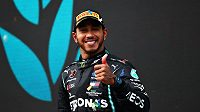 Získá Lewis Hamilton rekordní osmý titul?