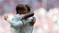 Theodor Gebre Selassie se raduje z gólu, který vstřelil Bayernu Mnichov na jeho hřišti.
