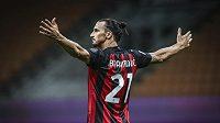 Kanonýr AC Milán Zlatan Ibrahimovic měl další důvod k oslavám.