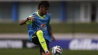 Brazilec Neymar a jeho přestup do Barcelony je stále středem zájmu soudu.