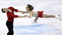 Kanadští krasobruslaři Meagan Duhamelová a Eric Radford na MS při krátkém programu sportovních dvojic.
