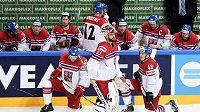 Hokejisté české reprezentace (zleva) Michal Jordán, Alexander Salák a Tomáš Hertl po utkání se Švédy na MS v Praze.