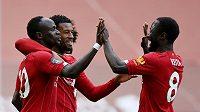 Fotbalisté Liverpoolu se radují.