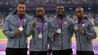 Američtí sprinteři budou muset vrátit stříbrné medaile z olympijských her v Londýně. Druhý zleva Tyson Gay.