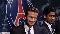 Fotbalista David Beckham (vlevo) se rozhodl, že po sezóně ukončí kariéru.