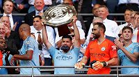 Radost fotbalistů Manchesteru City po triumfu v FA Community Shield. Citizens vyhráli nad Chelsea 2:0, oba góly vstřelil Sergio Agüero.