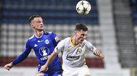 Zleva Martin Nešpor z Olomouce a Ondřej Bačo ze Zlína v osmifinále poháru..
