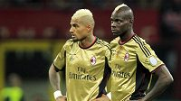 Fotbalisté AC Milán Mario Balotelli (vpravo) a Kevin-Prince Boateng.