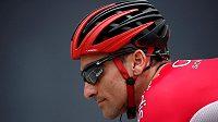 Po absolvování zhruba 3500 kilometrů během třítýdenní Vuelty si místo odpočinku vybral španělský cyklista Luis Ángel Maté návrat domů na kole a absolvuje další vydatnou porci kilometrů.
