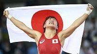 Japonská zápasnice Eri Tosakaová slaví olympijské zlato v kategorii do 48 kg.