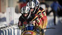 Německá posádka čtyřbobu v čele s pilotem Francesco Friedrichem na trati mistrovství světa ve Whistleru.