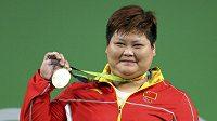Čínská vzpěračka Meng Su-pching se zlatou medailí pro kategorii nad 75 kg.