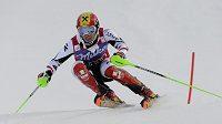 Rakouský lyžař Hirscher na trati v Levi.