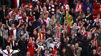 Rozzlobení fanoušci fotbalové Slavie.