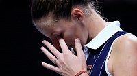 Česká tenistka Karolína Plíšková po zkaženém míči v zápase s Elinou Svitolinovou z Ukrajiny.