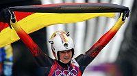 Natalie Geisenbergerová ovládla v soči závod sáňkařek.