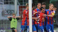 Hráči Plzně oslavují vyrovnávací gól na 2:2 během utkání 2. kola Gambrinus ligy mezi FK Příbram a FC Viktoria Plzeň.