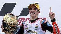 Álex Márquez ze Španělska slaví celkový triumf pro nejlepšího jezdce kategorie Mot3 v roce 2014.