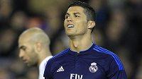 Cristiano Ronaldo z Realu Madrid při utkání ve Valencii.